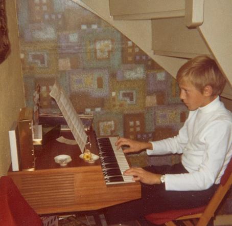 Din klaverlærer som konfirmand